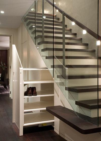 Contemporary Staircase by Studio Mark Ruthven