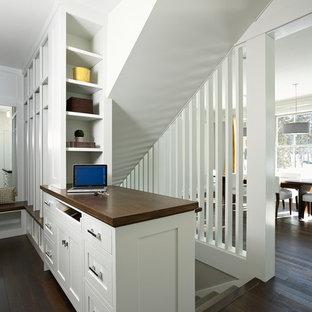 Idées déco pour un escalier contemporain avec des marches en moquette.