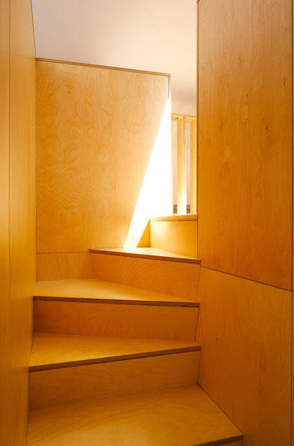 contemporary staircase by DMVF Architects