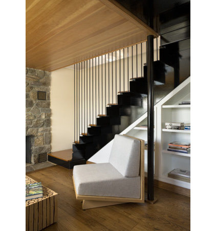 Contemporary Staircase by James Cleary Architecture