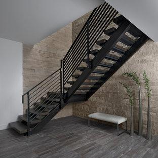 Modelo de escalera en L, contemporánea, sin contrahuella, con escalones de madera y barandilla de cable