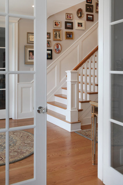 Craftsman Staircase by QMA Architects & Planners