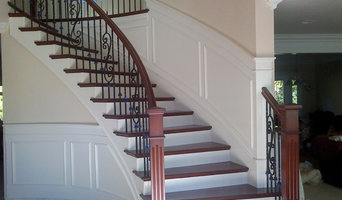 Craftsman with wainscoting