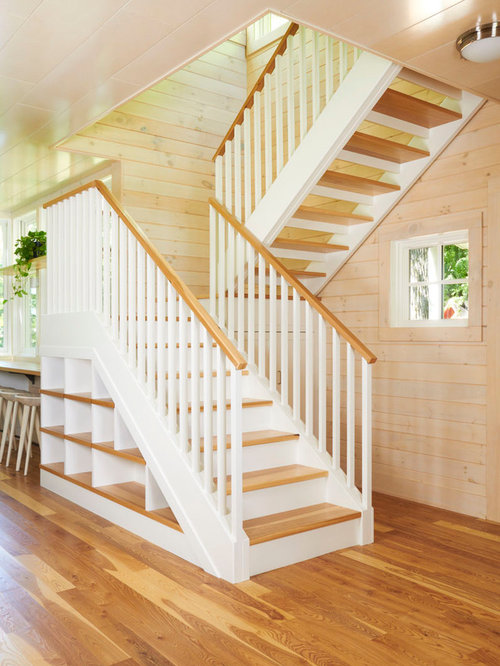 Enclosed staircase design ideas renovations photos for Enclosed staircase design