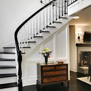 Exempel på en klassisk svängd trappa i trä
