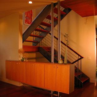 Неиссякаемый источник вдохновения для домашнего уюта: лестница в современном стиле