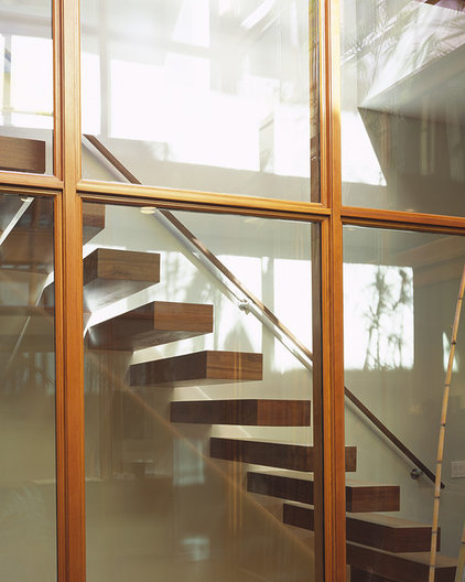 Modern Staircase by John Maniscalco Architecture