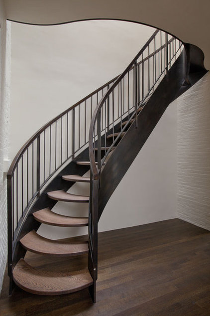 transitional staircase by Neuhaus Design Architecture, P.C.