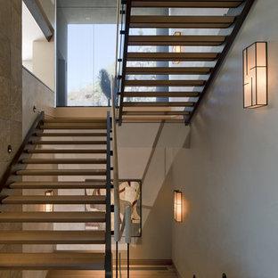 Imagen de escalera de estilo americano sin contrahuella