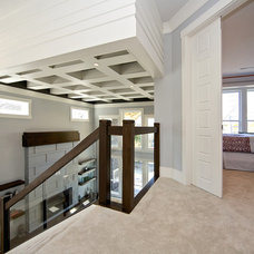Contemporary Staircase by Viper Homes Inc.