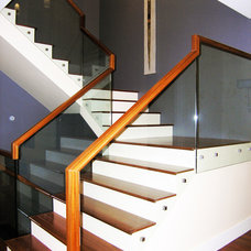 Modern Staircase by Vadessa Kitchens