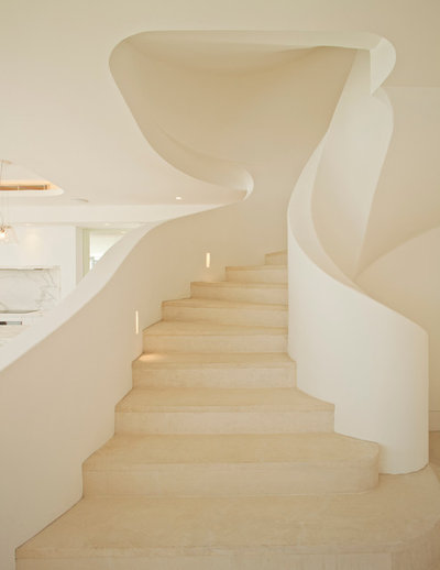 Mediterranean Staircase by Inlinebuilding & Construction Management