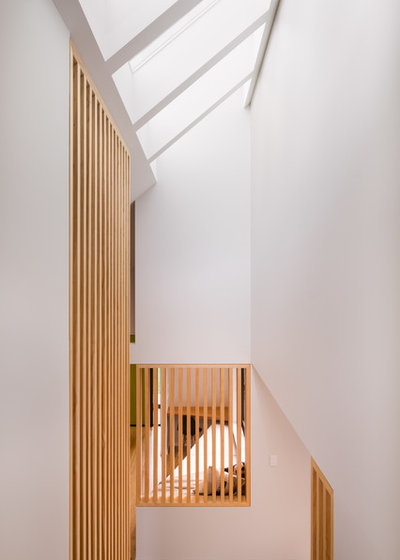Beach Style Staircase by Barry Connor Design