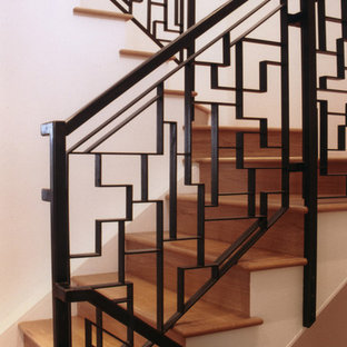 Staircase - contemporary staircase idea in San Francisco