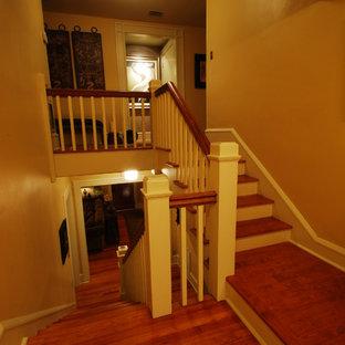オーランドのトラディショナルスタイルのおしゃれな階段の写真