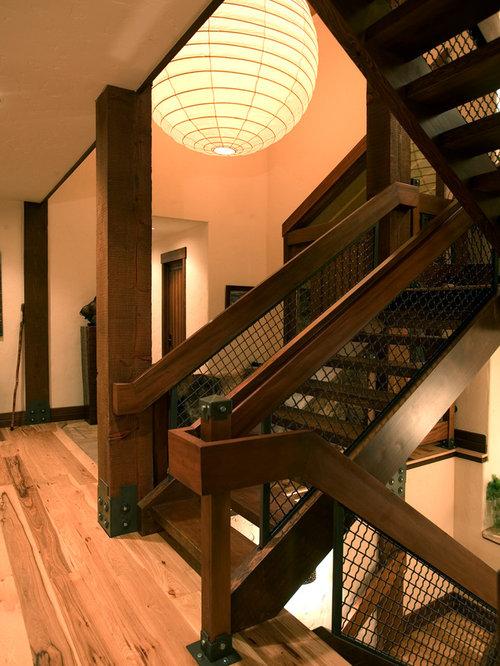 photos et id es d co d 39 escaliers montagne avec des marches en bois. Black Bedroom Furniture Sets. Home Design Ideas