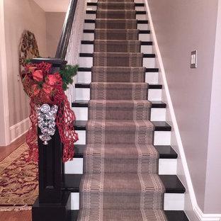 アトランタのトランジショナルスタイルのおしゃれな階段の写真