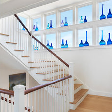 Traditional Staircase by Burgin Lambert Architects