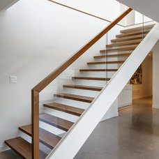Modern Staircase by Christopher Simmonds Architect