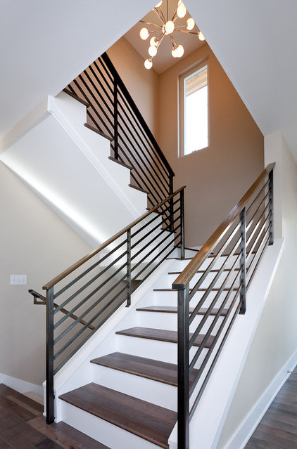 Contemporary Staircase by Dyna Contracting
