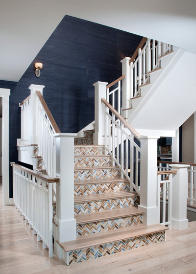 Contemporary Staircase by Mike Schaap Builders