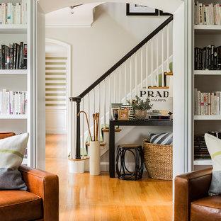 Bild på en eklektisk trappa i trä