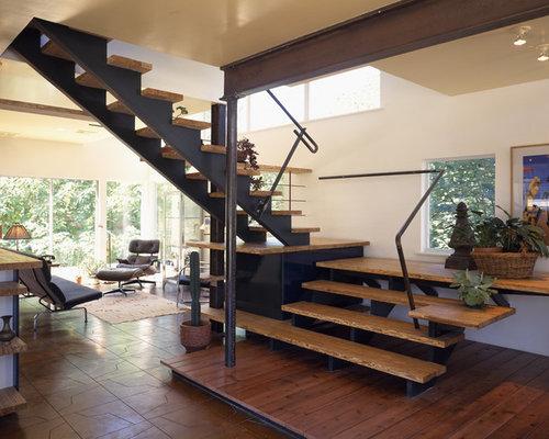 Minimalist Wooden Open Staircase Photo In Austin