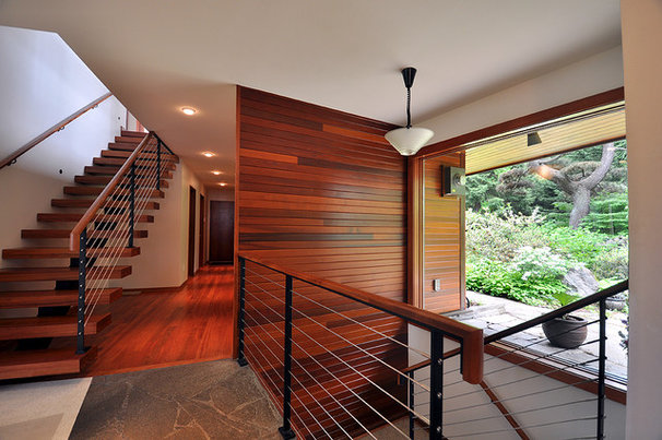 Contemporary Staircase by grouparchitect