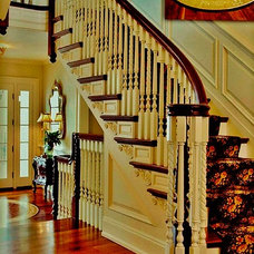 Traditional Staircase by Delier & Delier