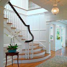 Traditional Staircase by Jan Gleysteen Architects, Inc