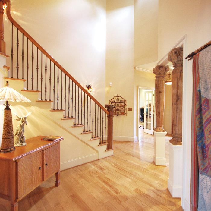 Avondale Estates, Traditional Entry