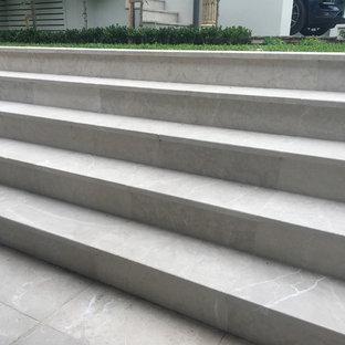 シドニーの小さいコンテンポラリースタイルのおしゃれならせん階段の写真