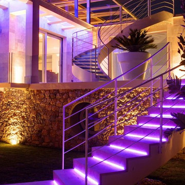 Exterior LED-lighted stairs detail