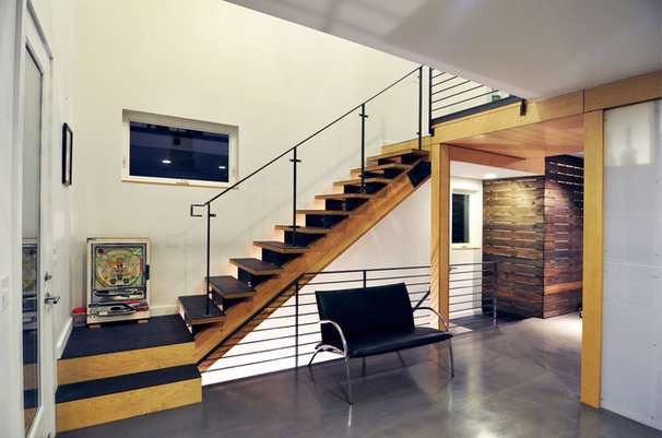Contemporary Staircase by B9 Architects Inc