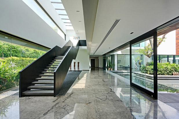 Modern Staircase by AADITYA HVAC SOLUTIONS PVT. LTD.