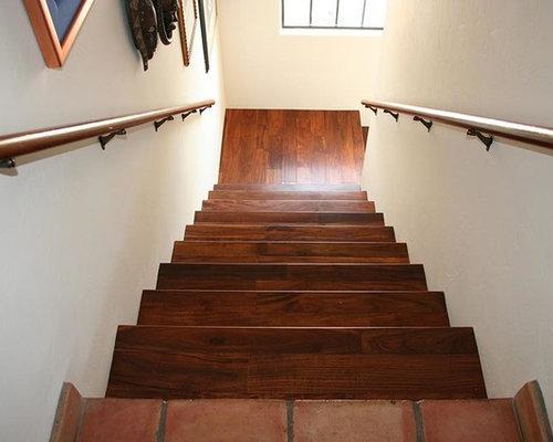 photos et id es d co d 39 escaliers sud ouest am ricain de taille moyenne. Black Bedroom Furniture Sets. Home Design Ideas