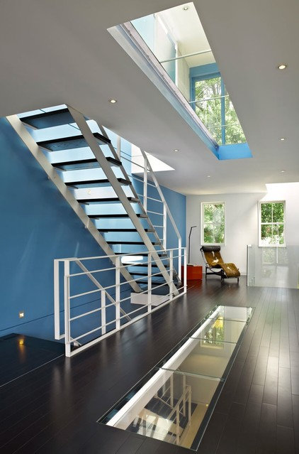 modern staircase by ThinkMakeBuild