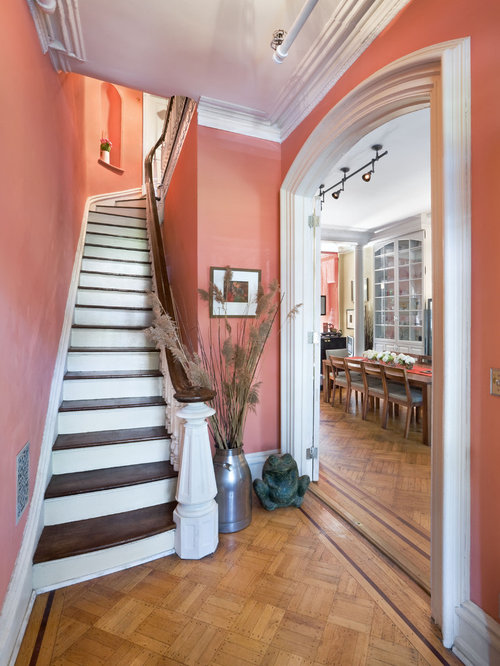 Hallway paint colors houzz for Best colour for hall