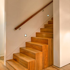 Contemporary Staircase by CplusC Architectural Workshop