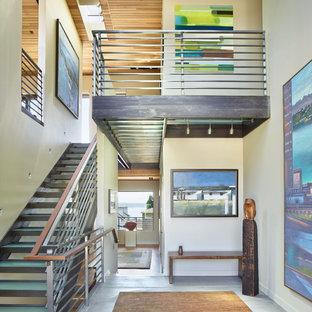 Idéer för att renovera en funkis trappa i glas, med öppna sättsteg