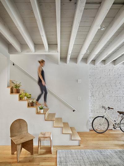 Contemporain Escalier by Qb3 LLC