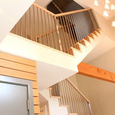 Contemporary Staircase by One SEED Architecture + Interiors