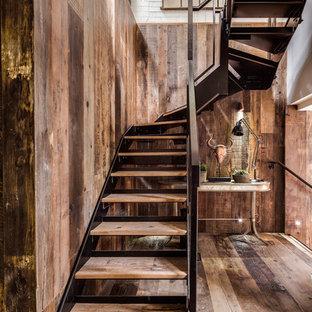 Idée de décoration pour un escalier urbain.