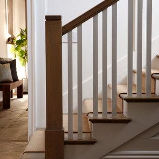 Diseño de escalera clásica renovada extra grande