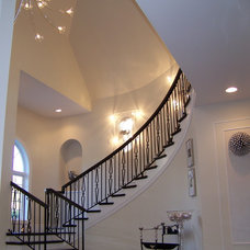 Traditional Staircase by Nina sobiNina Design