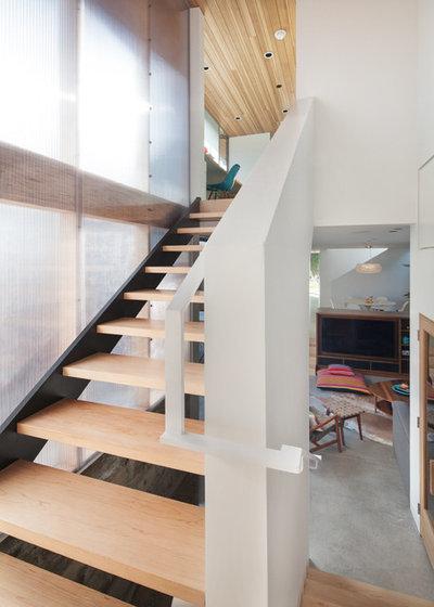 Modern Staircase by ras-a, inc.
