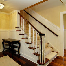 Traditional Staircase by Great Neighborhood Homes