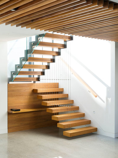 Contemporary Staircase by S&A Stairs