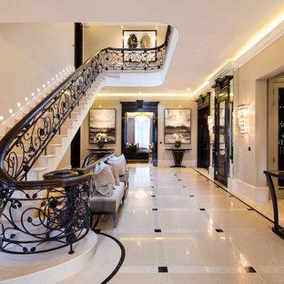 Gewendelte Klassische Treppe in London
