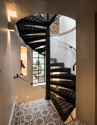Traditional Staircase by STAC Architecture